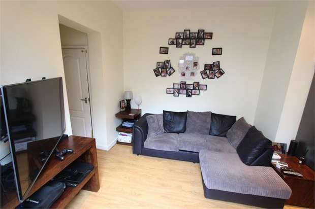 2 Bedrooms Flat for sale in Leigham Court Drive, LEIGH-ON-SEA, Essex