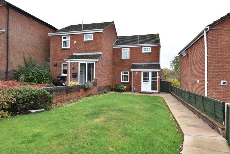 2 Bedrooms Semi Detached House for sale in Oakleigh Road, Droitwich