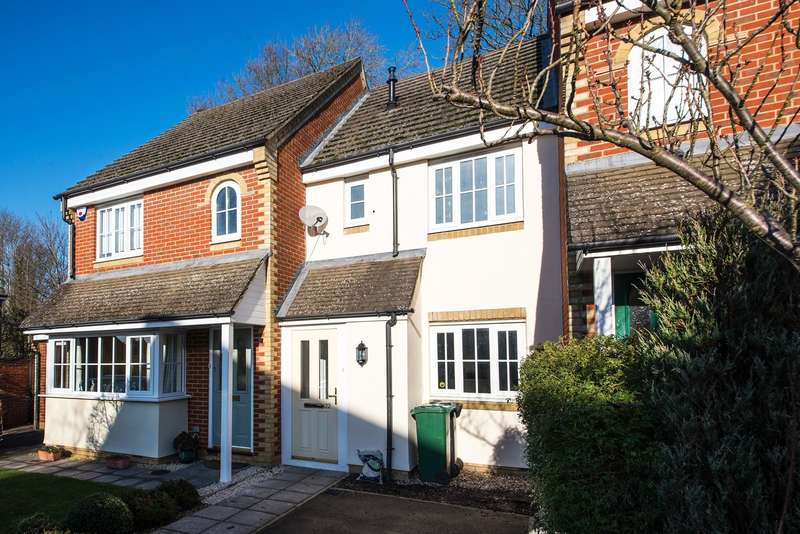 2 Bedrooms House for sale in Bassett Drive, Reigate