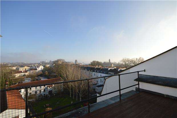 3 Bedrooms Flat for rent in York House, Clifton Road, Bristol, BS8