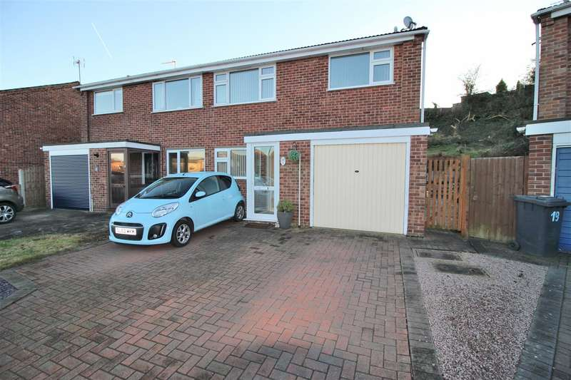 3 Bedrooms Property for sale in Letchworth Crescent, Chilwell