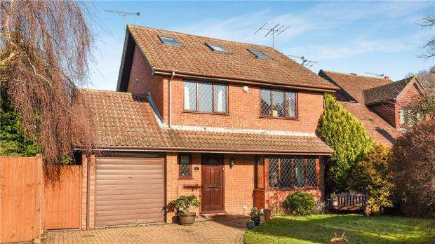 6 Bedrooms Detached House for sale in Polkerris Way, Church Crookham, Fleet