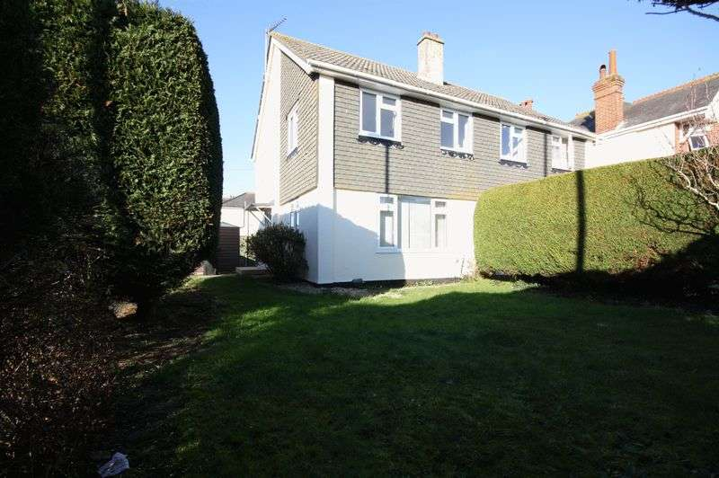 3 Bedrooms Semi Detached House for sale in Town Centre. Christchurch