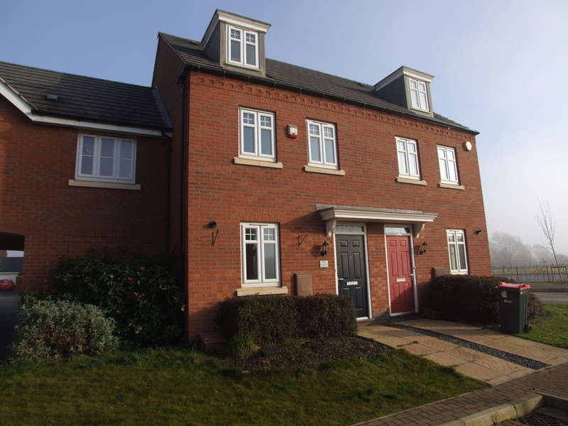 3 Bedrooms Town House for sale in Redkite Close, Hucknall