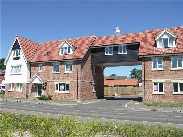 2 Bedrooms Property for sale in Stalham, NORWICH, NR12