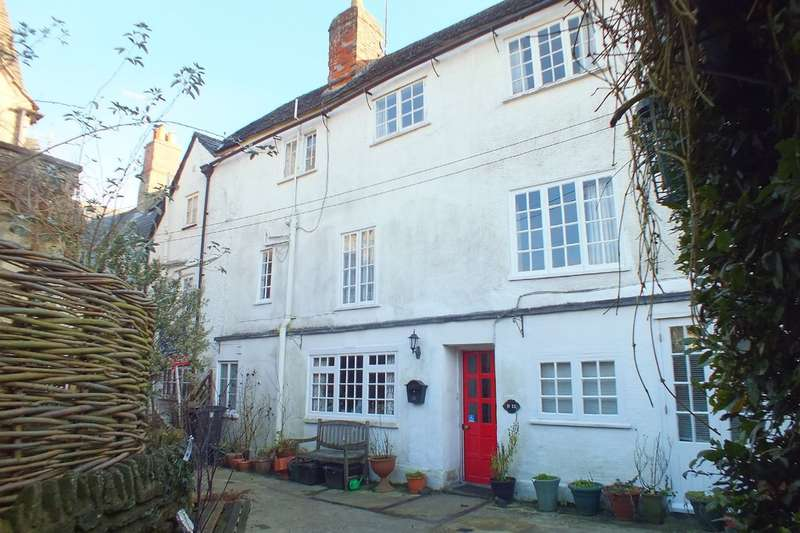 4 Bedrooms Town House for sale in Cirencester