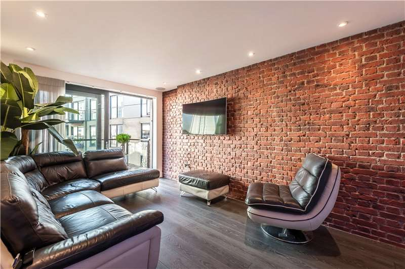 2 Bedrooms Flat for sale in Aragon Court, 8 Hotspur Street, Kennington, London, SE11