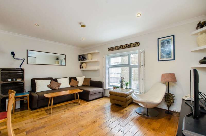 2 Bedrooms Flat for sale in Roman Road, Bethnal Green, E2