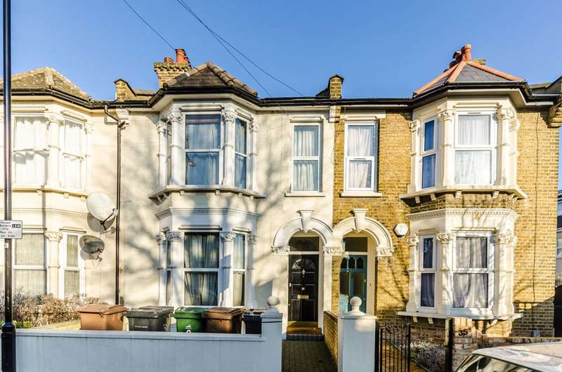 4 Bedrooms House for sale in Connaught Road, Leytonstone, E11