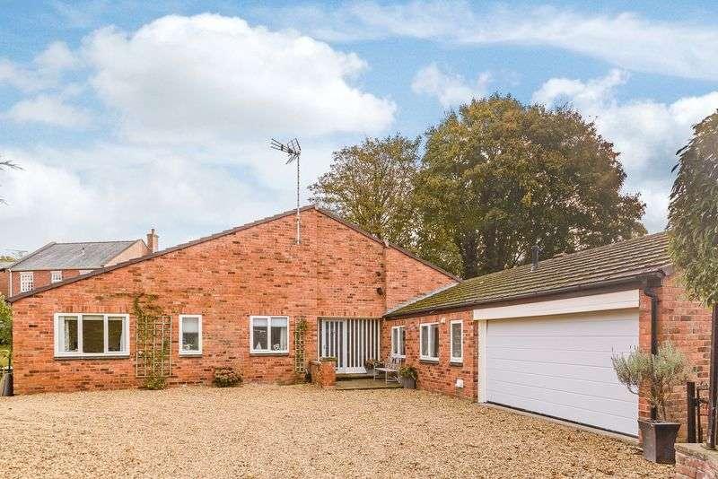 4 Bedrooms Detached Bungalow for sale in Utkinton Road, Tarporley