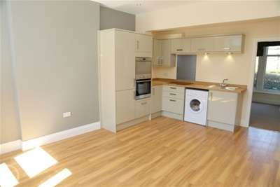 2 Bedrooms Flat for rent in Western Bank, Western Park, S10 2TJ