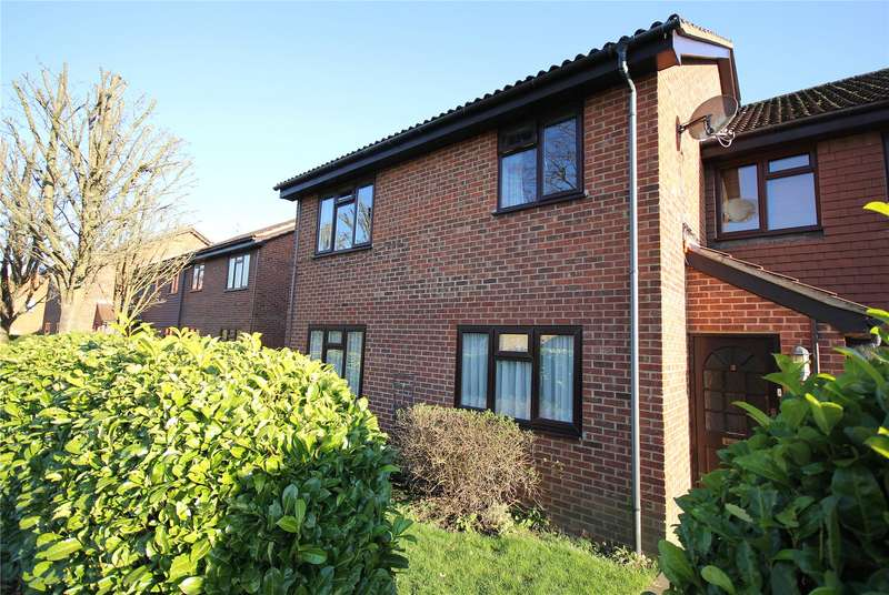 2 Bedrooms Maisonette Flat for sale in Camellia House, Wych Hill Park, Woking, Surrey, GU22