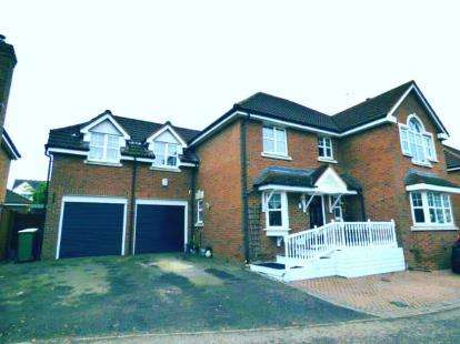 House for sale in Eastwood, Leigh On Sea, Essex