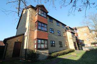 2 Bedrooms Flat for sale in Archers Court, 13A Nottingham Road, South Croydon