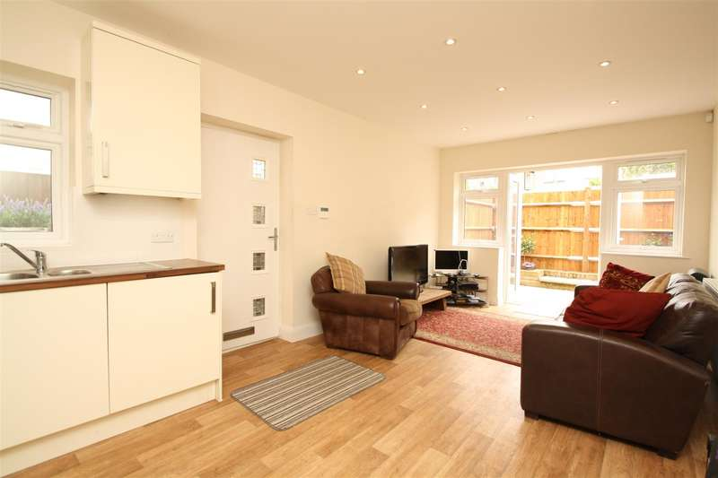 1 Bedroom Property for sale in Askew Villas, New River Crescent, London N13