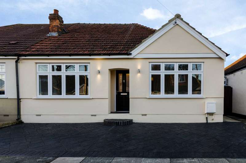 3 Bedrooms Semi Detached House for sale in Woodlands Avenue, Sidcup, DA15 8HB