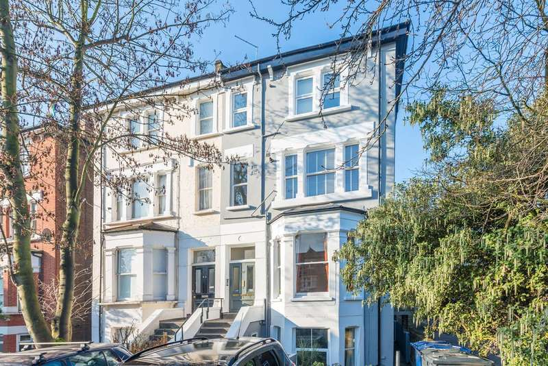 2 Bedrooms Flat for sale in The Avenue, West Ealing, W13