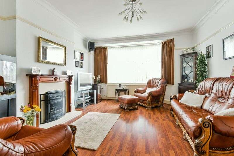 3 Bedrooms Property for sale in Green Lane, London