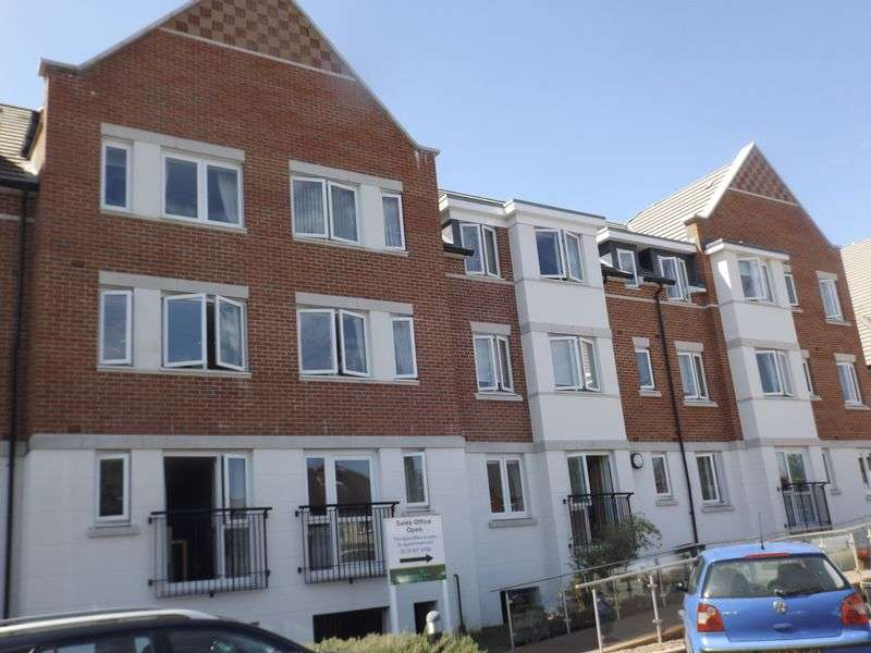 1 Bedroom Flat for sale in Crayshaw Court: **PRICE RECENTLY REDUCED**