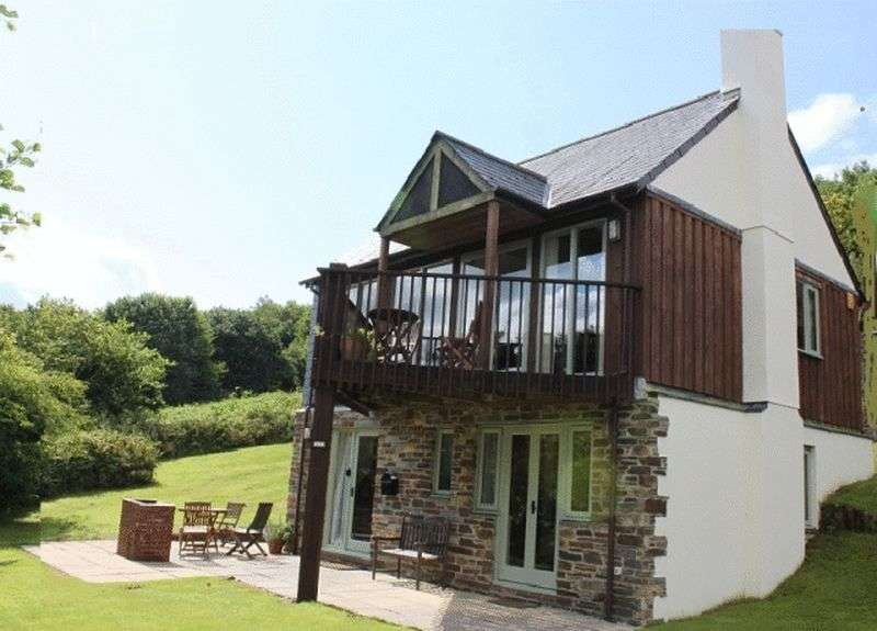 3 Bedrooms Detached House for sale in Oakridge, Saltash
