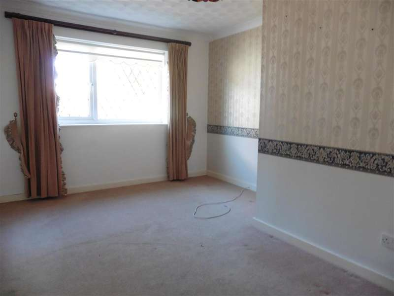3 Bedrooms Bungalow for sale in West Haye Road, Hayling Island, Hampshire