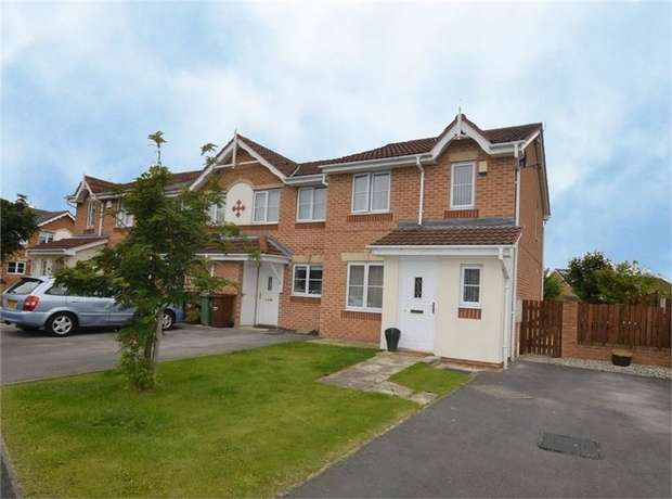 3 Bedrooms Semi Detached House for sale in Hebble Way, South Elmsall, Pontefract, West Yorkshire