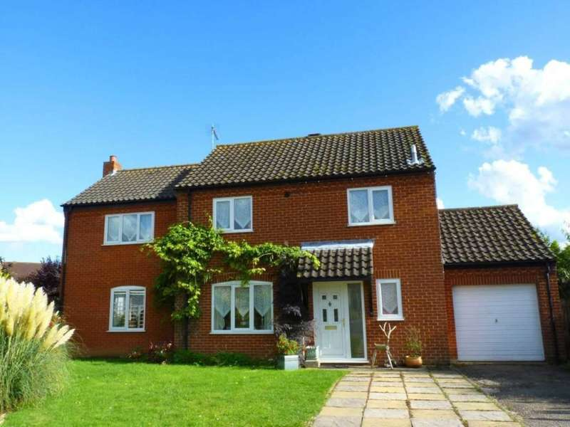 4 Bedrooms Detached House for sale in Brancaster Way, Swaffham, PE37 7RY