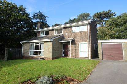 4 Bedrooms Detached House for sale in The Newlands, Frenchay, Near Bristol, South Gloucestershire