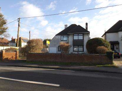 4 Bedrooms Detached House for sale in Fawley, Southampton, Hampshire
