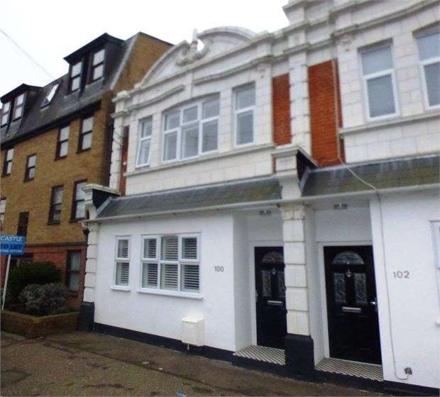 4 Bedrooms End Of Terrace House for sale in Glendale Gardens, Leigh on sea, SS9 2AY