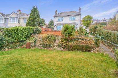 3 Bedrooms Detached House for sale in Crabtree, Plymouth, Devon
