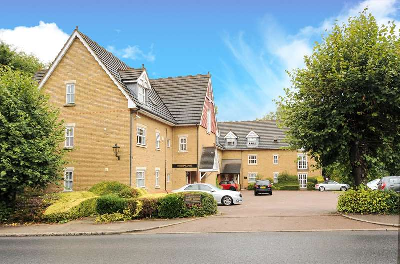 2 Bedrooms Apartment Flat for sale in Magisters Lodge, Watford Road, Rickmansworth, Hertfordshire, WD3