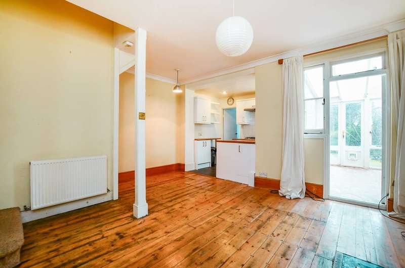 1 Bedroom Flat for sale in Fernside Road, Balham, SW12