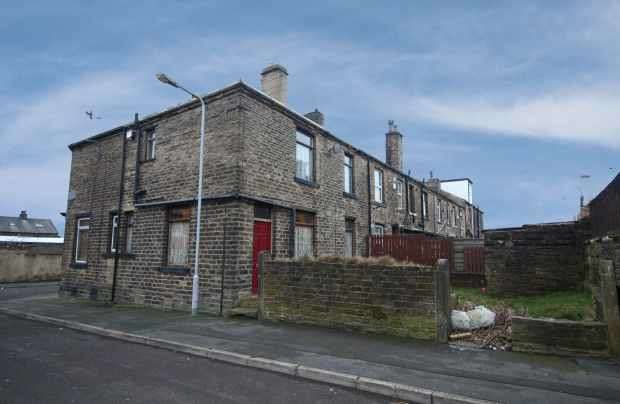 2 Bedrooms Property for sale in Chellow Street, Bradford, West Yorkshire, BD5 9QG