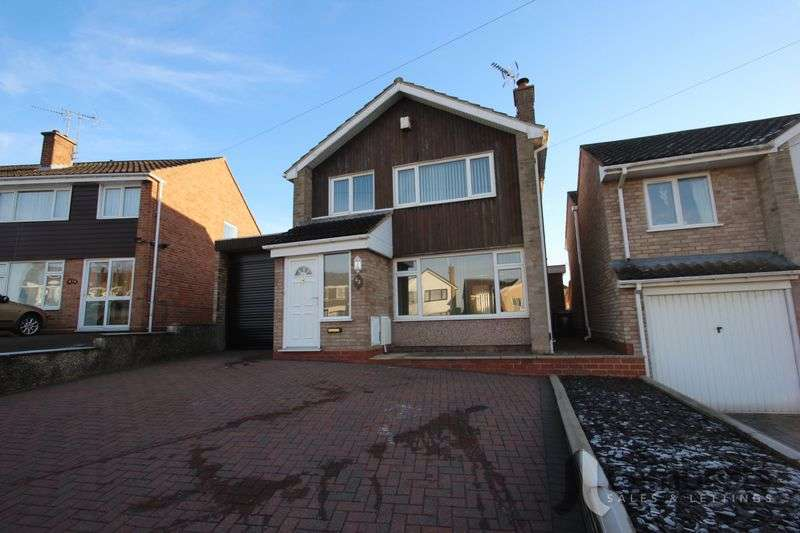 3 Bedrooms Detached House for sale in St. Judes Avenue, Studley