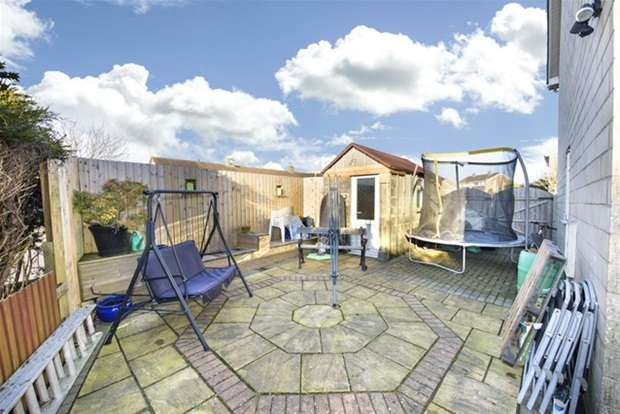 4 Bedrooms Link Detached House for sale in Bramley Drive, Frome