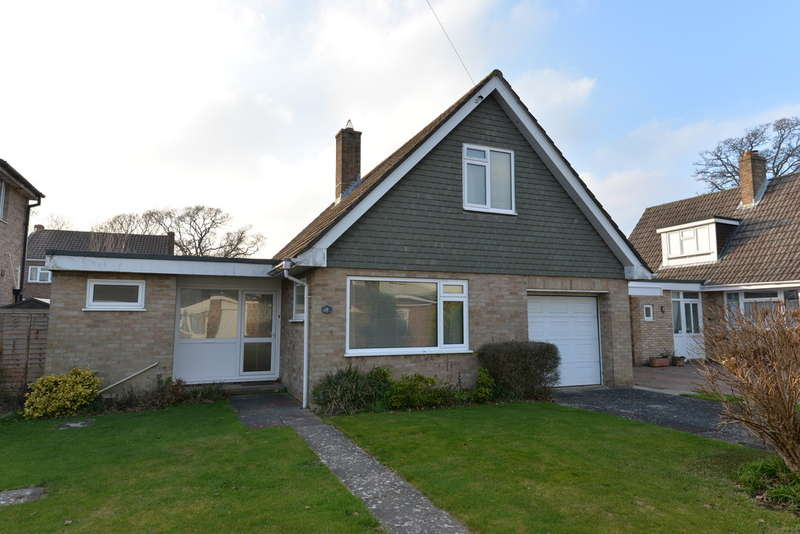 3 Bedrooms Chalet House for sale in Branksome Close, New Milton
