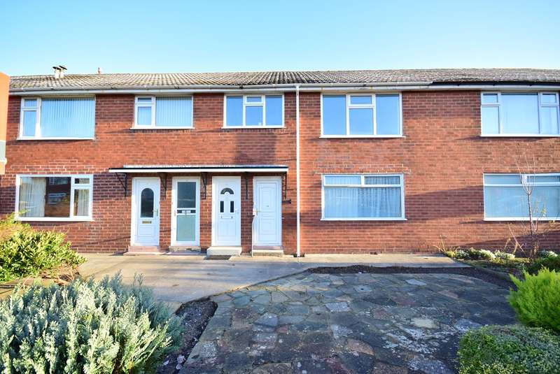 2 Bedrooms Flat for sale in Shepherd Road, LYTHAM ST ANNES, FY8