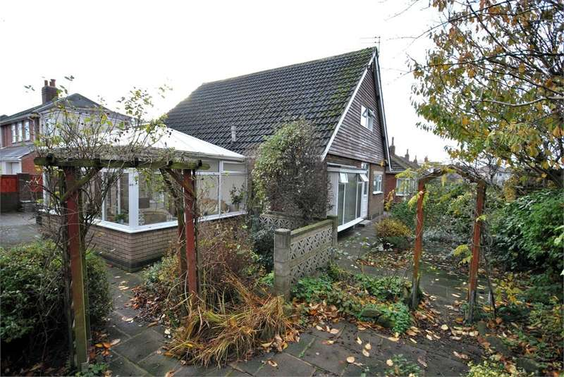 3 Bedrooms Detached Bungalow for sale in Formby Road, Lytham St Annes, FY8