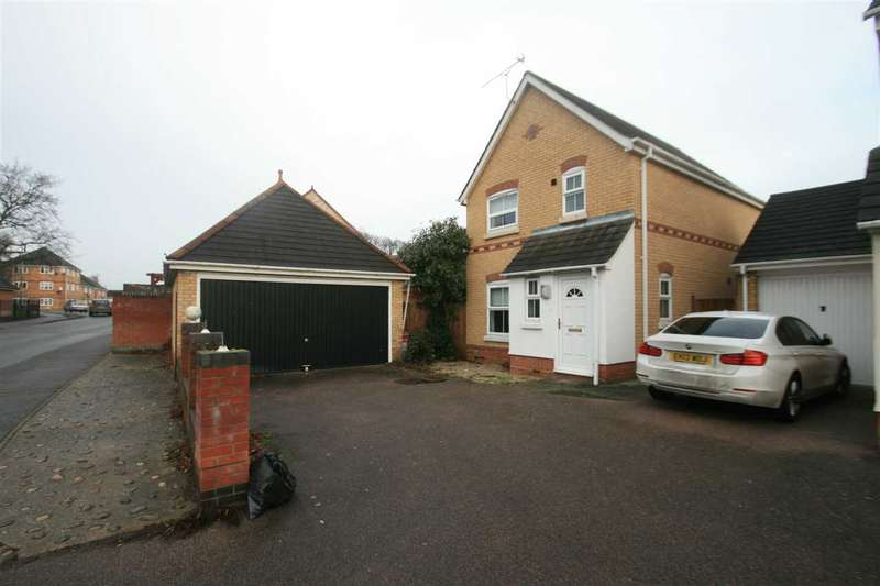 3 Bedrooms Detached House for sale in Derwent Road, Highwoods, Colchester