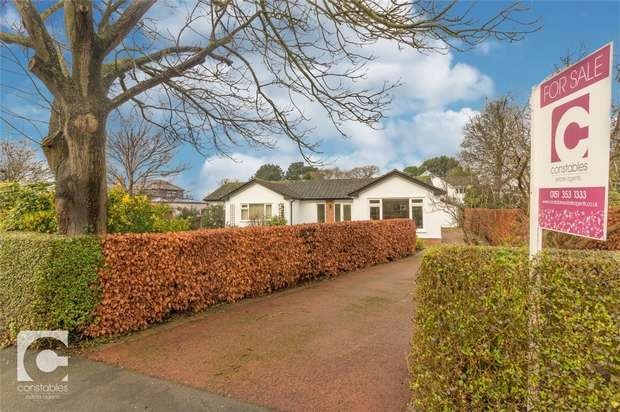 4 Bedrooms Detached Bungalow for sale in Bevyl Road, Parkgate, Neston, Cheshire