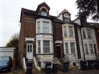 1 Bedroom Flat for sale in Napier Road, Luton, Bedfordshire