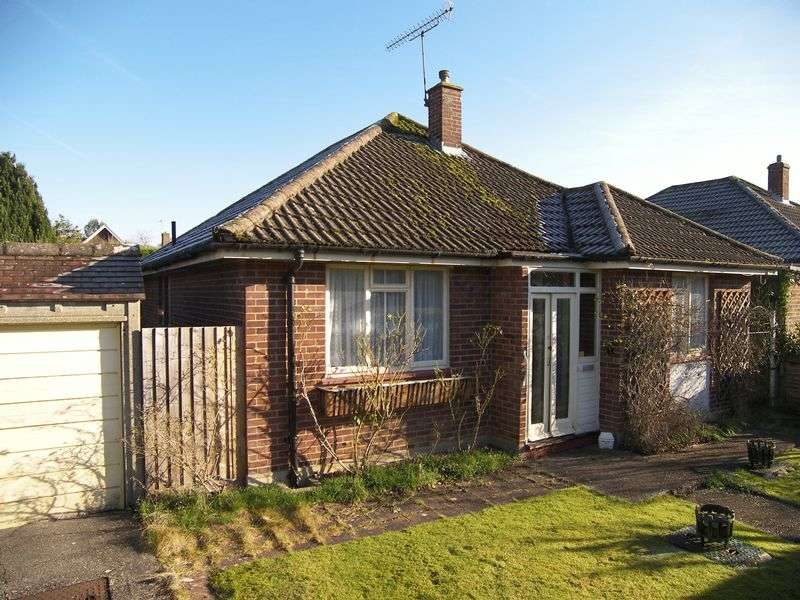 2 Bedrooms Detached Bungalow for sale in Bookham