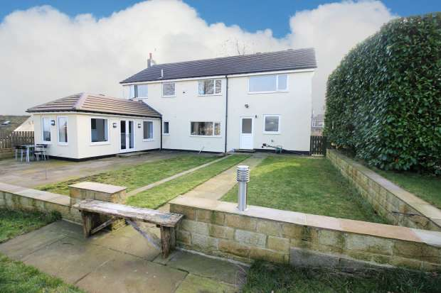 5 Bedrooms Detached House for sale in Rishworth New Road, Sowerby Bridge, West Yorkshire, HX6 4RT