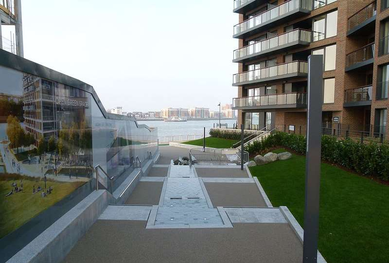 2 Bedrooms Flat for sale in Waterfront I, Royal Arsenal Riverside, Woolwich