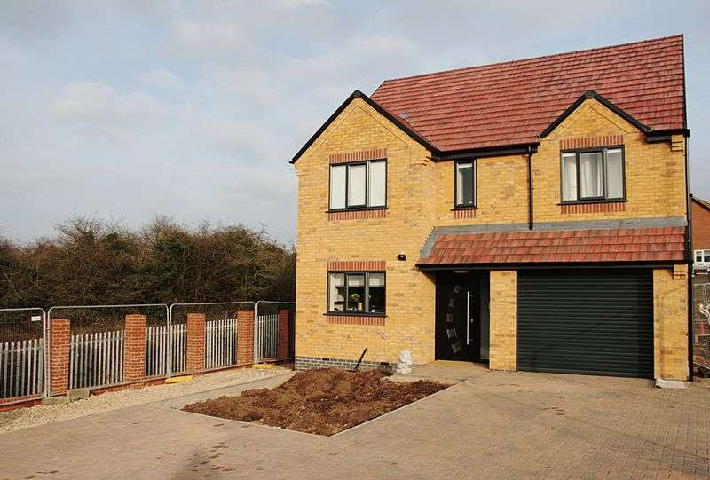 4 Bedrooms Detached House for sale in HOLMLEIGH WAY, CHELLASTON