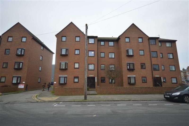 2 Bedrooms Flat for sale in Bayside Flats, York Street, Bridlington, East Yorkshire