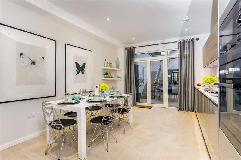 3 Bedrooms House for sale in Palmerston Road, London, W3