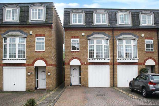 4 Bedrooms End Of Terrace House for sale in The Darlingtons, Rustington, West Sussex, BN16