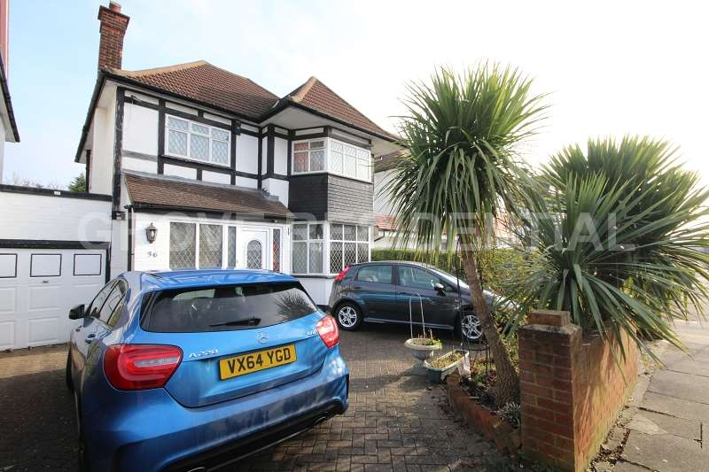 3 Bedrooms Detached House for sale in Hillcrest Avenue, Edgware
